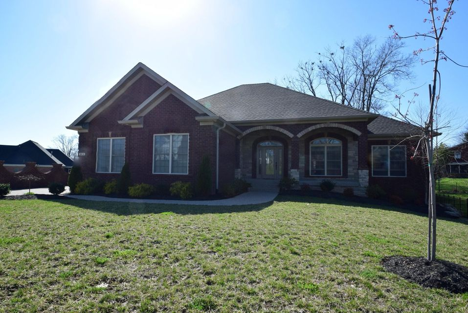 Single Family Home for Sale at 9614 Southern Breeze Lane Louisville, Kentucky 40299 United States