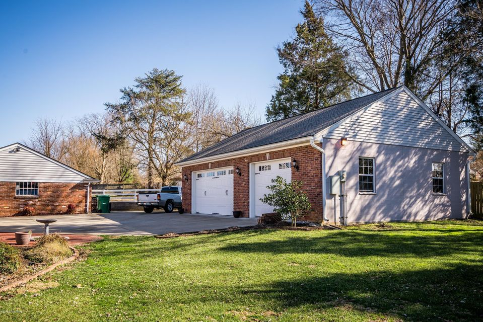 Additional photo for property listing at 9600 Seatonville Road  Louisville, Kentucky 40291 United States