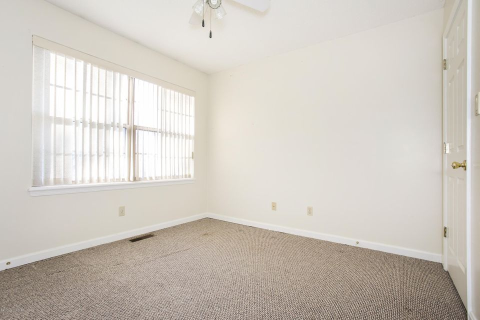 Additional photo for property listing at 101 Anchor Avenue 101 Anchor Avenue La Grange, Kentucky 40031 United States