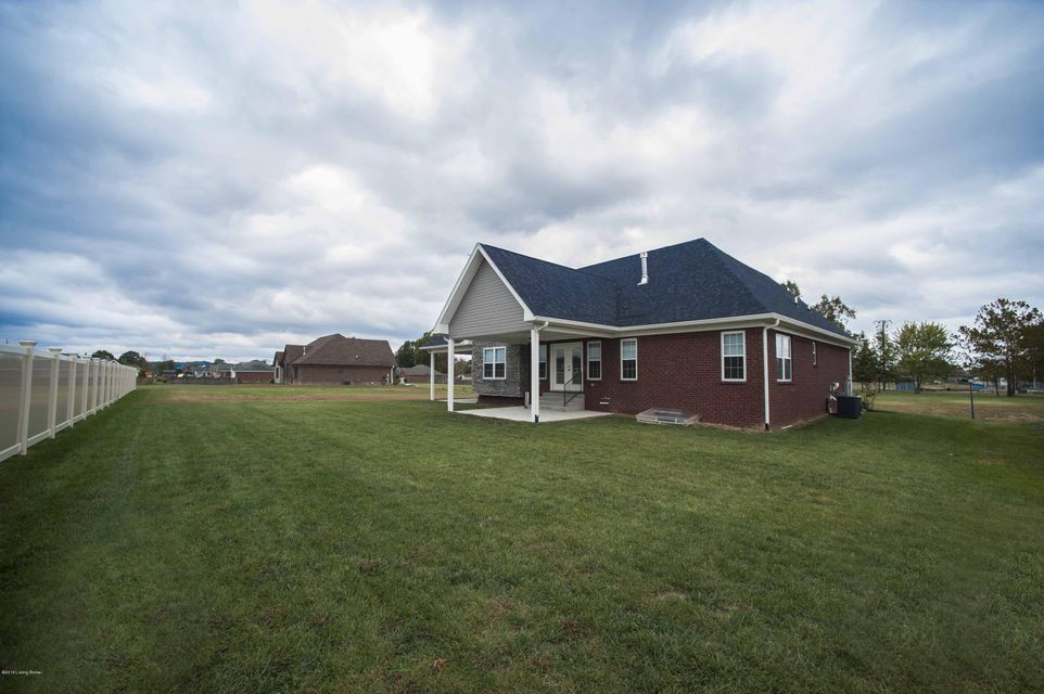 Additional photo for property listing at 1032 SHADY BROOK Lane  Louisville, Kentucky 40229 United States