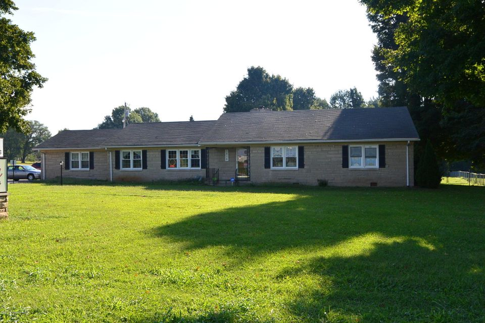 Single Family Home for Rent at 1315 N Third Street Bardstown, Kentucky 40004 United States