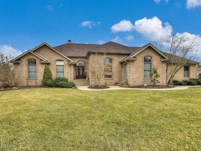 Single Family Home for Sale at 8101 Chapel Drive Crestwood, Kentucky 40014 United States