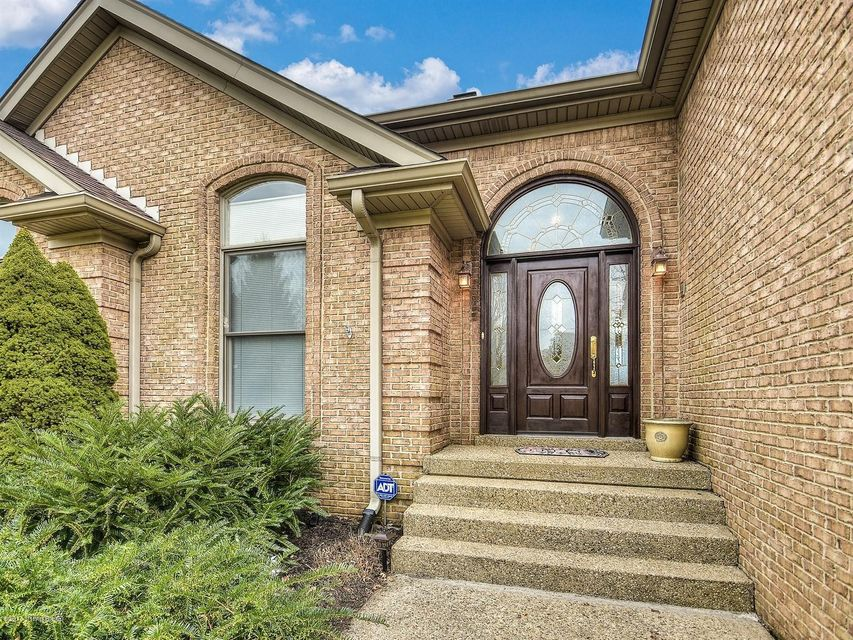 Additional photo for property listing at 8101 Chapel Drive 8101 Chapel Drive Crestwood, Kentucky 40014 United States