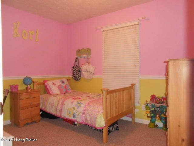 Additional photo for property listing at 1003 Ravenwood Drive  Lawrenceburg, Kentucky 40342 United States