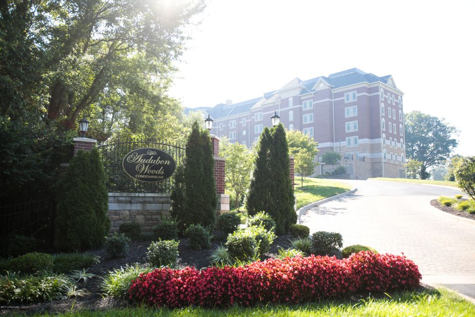 Condominium for Sale at 1300 Cardinal Drive Louisville, Kentucky 40213 United States