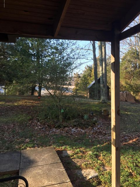 Additional photo for property listing at 832 E MAIN Street  Vine Grove, Kentucky 40175 United States