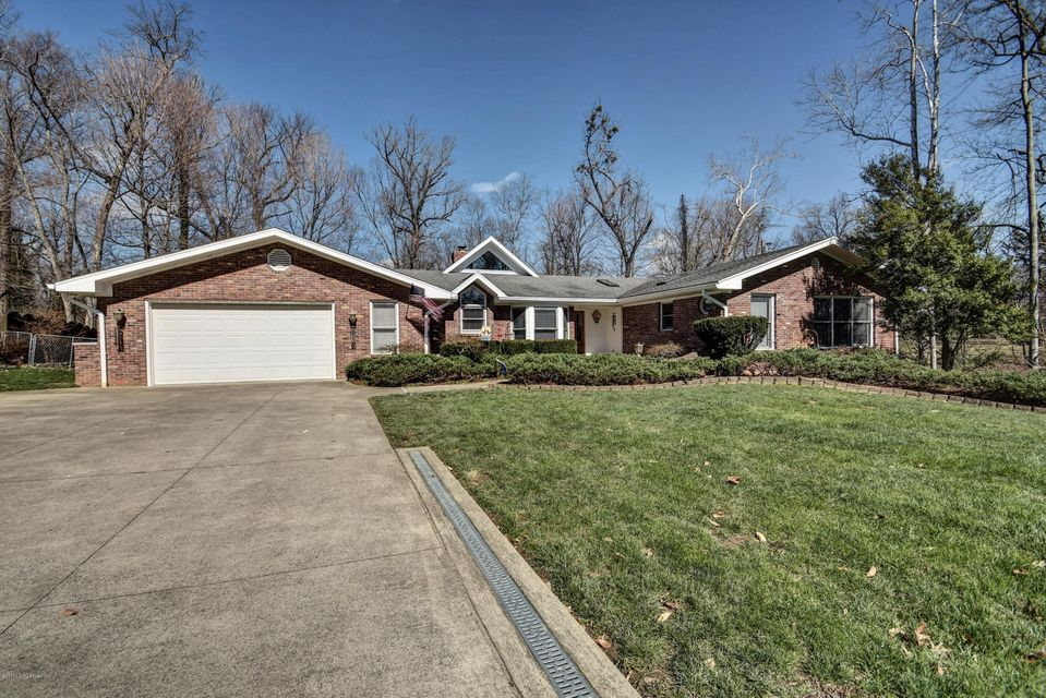 Single Family Home for Sale at 11205 Beech Road Anchorage, Kentucky 40223 United States