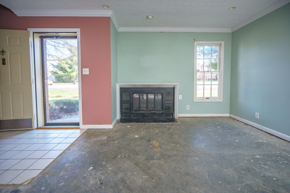 Additional photo for property listing at 754 Yorkwood Place  Louisville, Kentucky 40223 United States