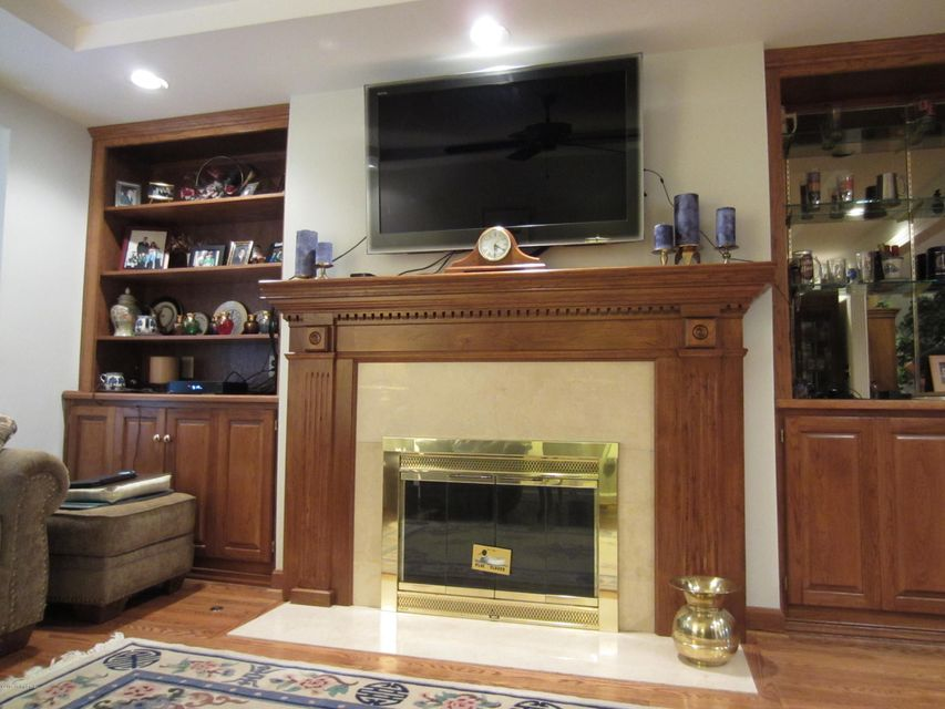 Additional photo for property listing at 2601 Seminary Drive  Louisville, Kentucky 40241 United States