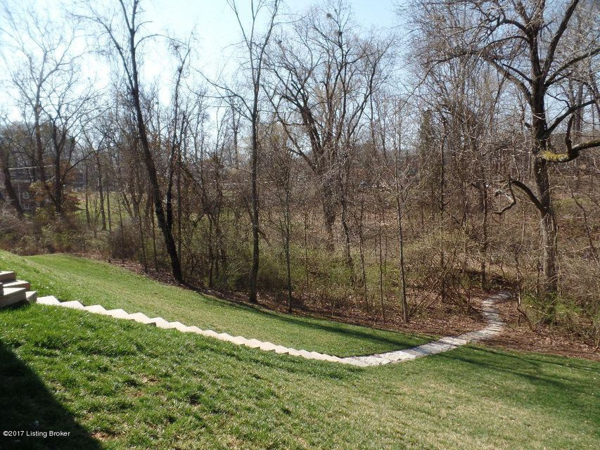 Additional photo for property listing at 7508 Beechspring Farm Blvd  Louisville, Kentucky 40241 United States