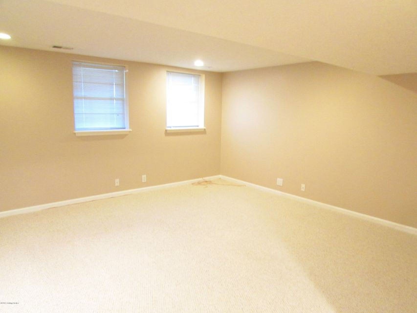 Additional photo for property listing at 15211 Abington Ridge Place  Louisville, Kentucky 40245 United States