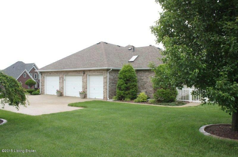 Additional photo for property listing at 559 St Andrews Drive  Vine Grove, Kentucky 40175 United States