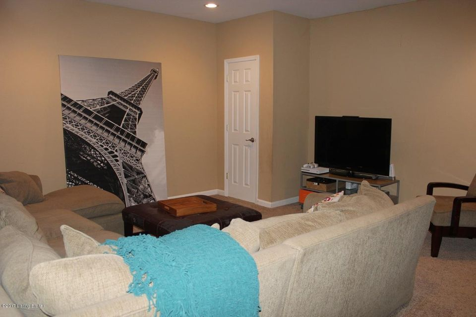 Additional photo for property listing at 17506 Polo Run Lane  Louisville, Kentucky 40245 United States