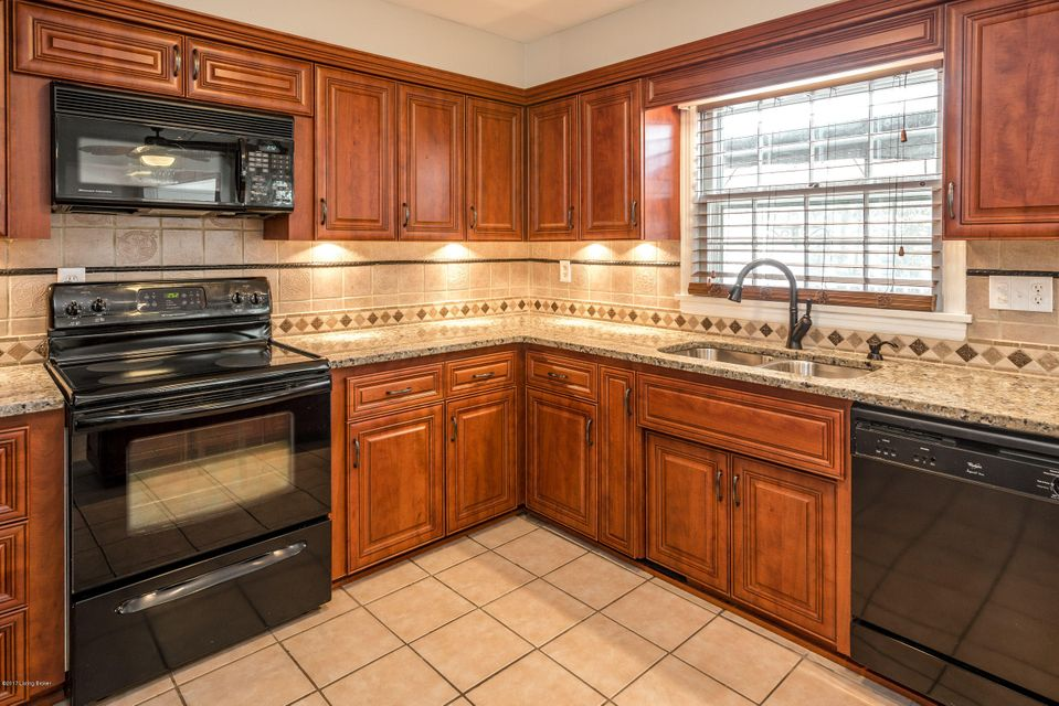 Additional photo for property listing at 4900 Crofton Road  Louisville, Kentucky 40207 United States