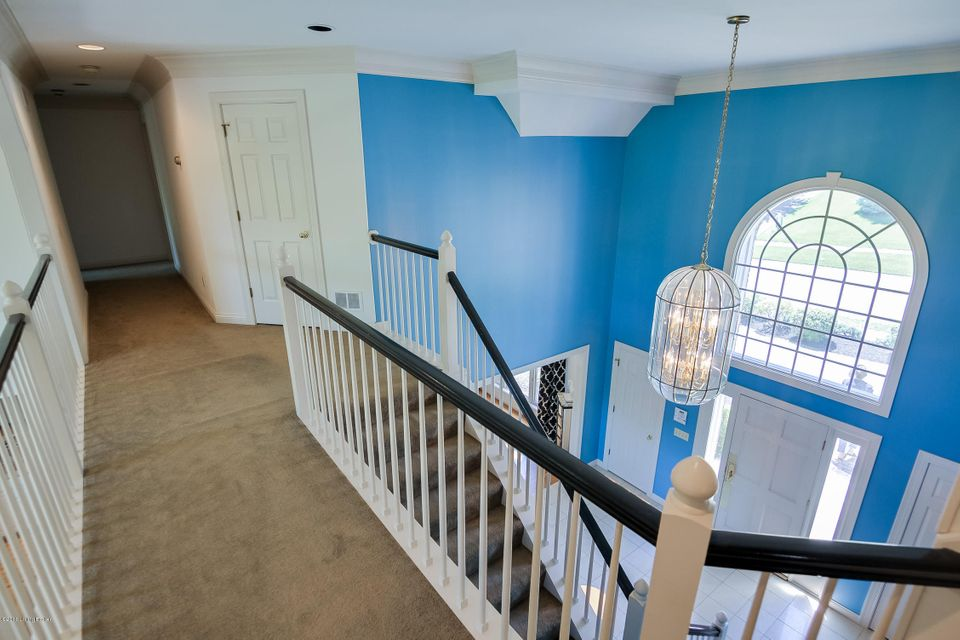 Additional photo for property listing at 1723 Griffin Gate Road  Louisville, Kentucky 40205 United States