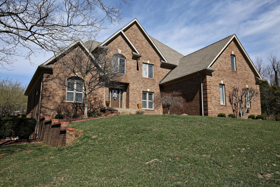 Single Family Home for Sale at 8401 Gant Court Crestwood, Kentucky 40014 United States