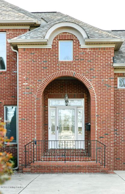 Additional photo for property listing at 3919 Brownsboro Road 3919 Brownsboro Road Louisville, Kentucky 40207 United States
