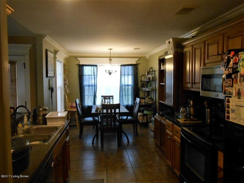 Additional photo for property listing at 205 S Rushmore Drive  Vine Grove, Kentucky 40175 United States