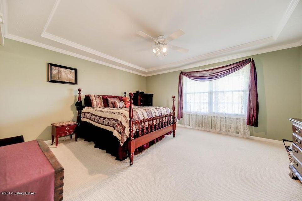 Additional photo for property listing at 210 Stonecrest Drive  Fisherville, Kentucky 40023 United States