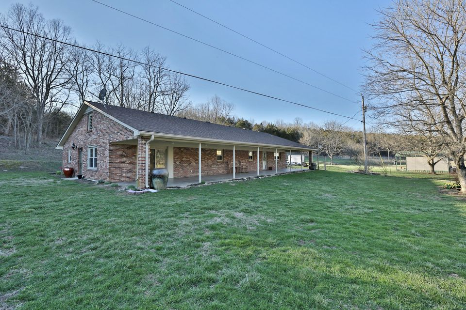 Single Family Home for Sale at 601 Goose Creek Road Bagdad, Kentucky 40003 United States