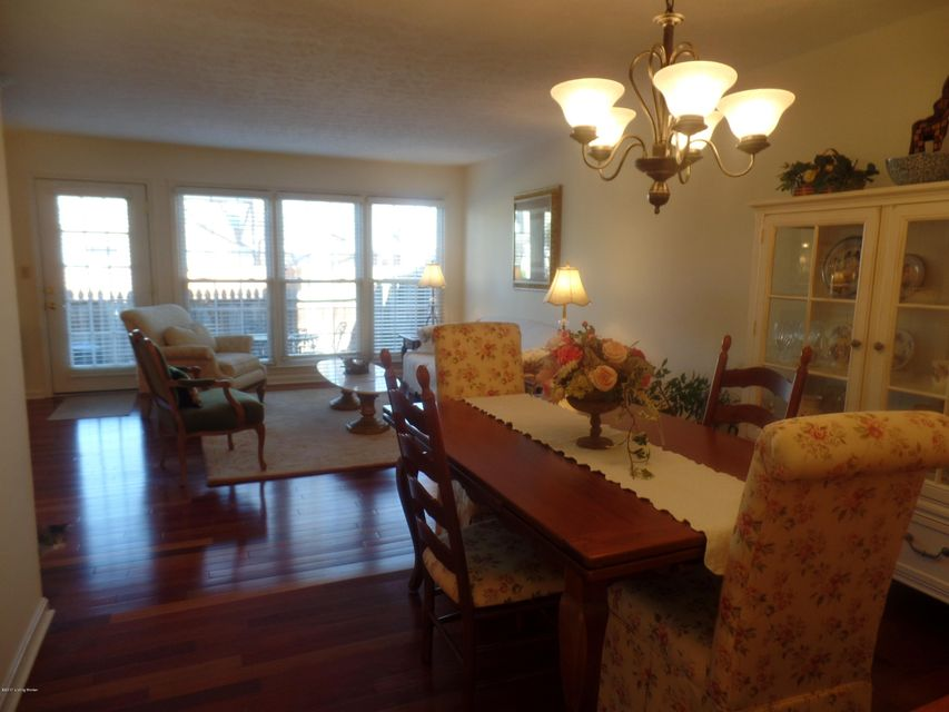Additional photo for property listing at 1913 Manor House Drive  Louisville, Kentucky 40220 United States