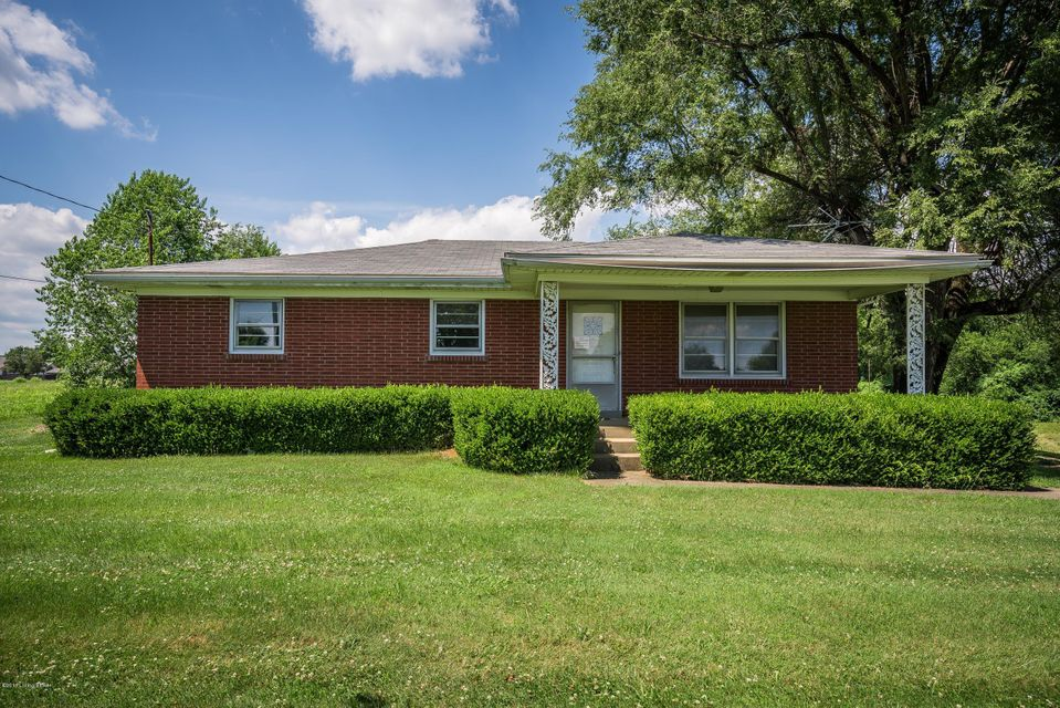 Single Family Home for Sale at 6619 Matthews Road Louisville, Kentucky 40258 United States