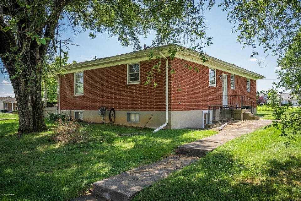 Additional photo for property listing at 6619 Matthews Road  Louisville, Kentucky 40258 United States