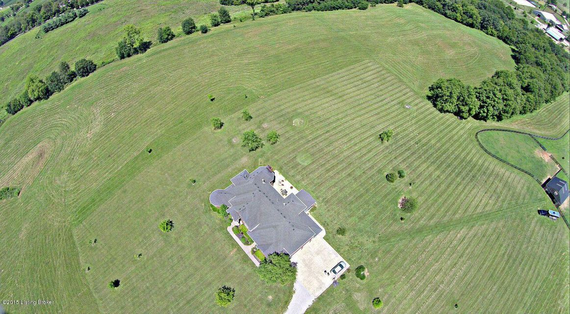 Additional photo for property listing at 3661 Taylorsville Road 3661 Taylorsville Road Shelbyville, Kentucky 40065 United States