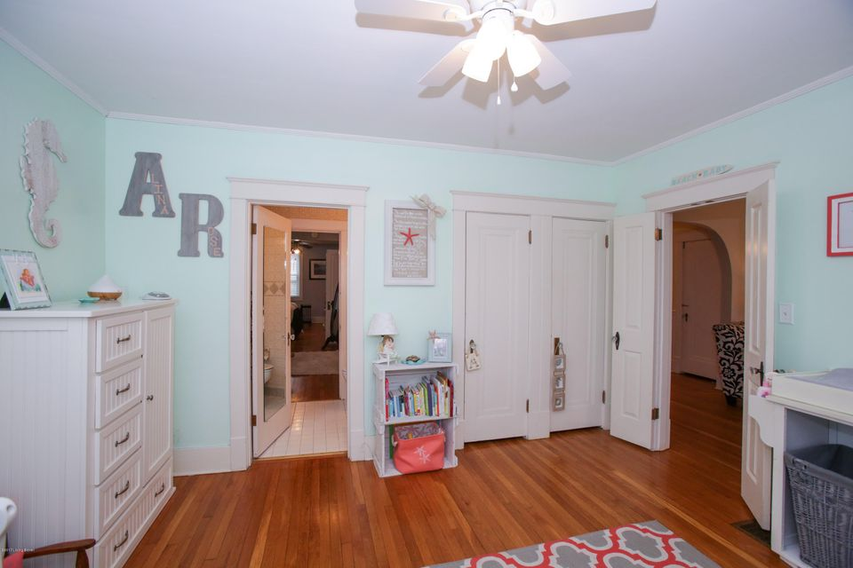 Additional photo for property listing at 205 N Hite Avenue  Louisville, Kentucky 40206 United States