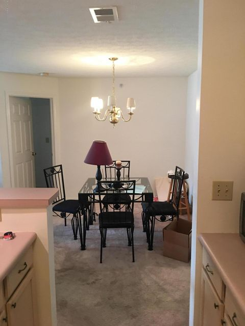 Additional photo for property listing at 3903 Yardley Court  Louisville, Kentucky 40299 United States