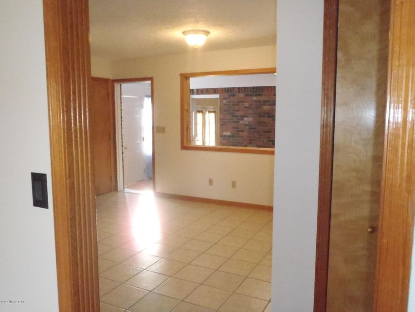 Additional photo for property listing at 1038 Trevilian Way  Louisville, Kentucky 40213 United States
