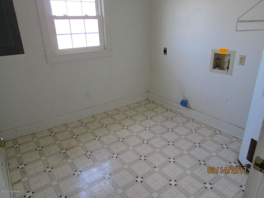 Additional photo for property listing at 756 Ford Hwy  Elizabethtown, Kentucky 42701 United States