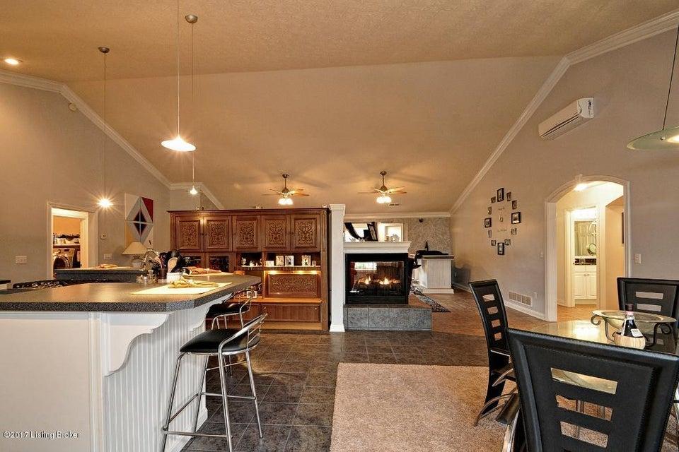 Additional photo for property listing at 330 Clarks Lane  Shepherdsville, Kentucky 40165 United States