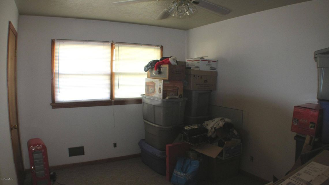 Additional photo for property listing at 4305 Oboe Drive  Louisville, Kentucky 40216 United States