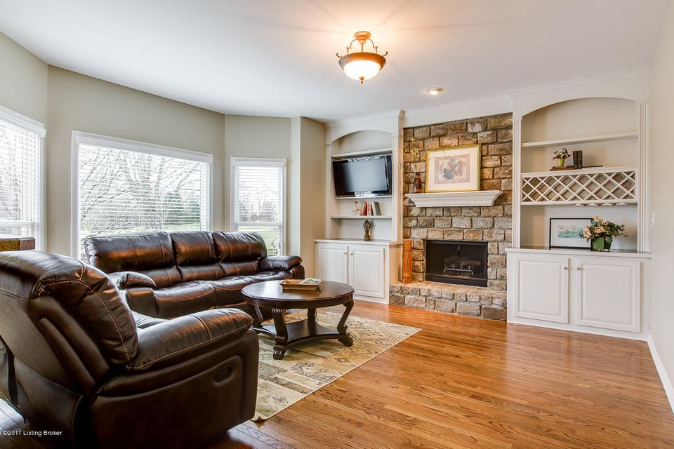 Additional photo for property listing at 1217 Crosstimbers Drive  Louisville, Kentucky 40245 United States