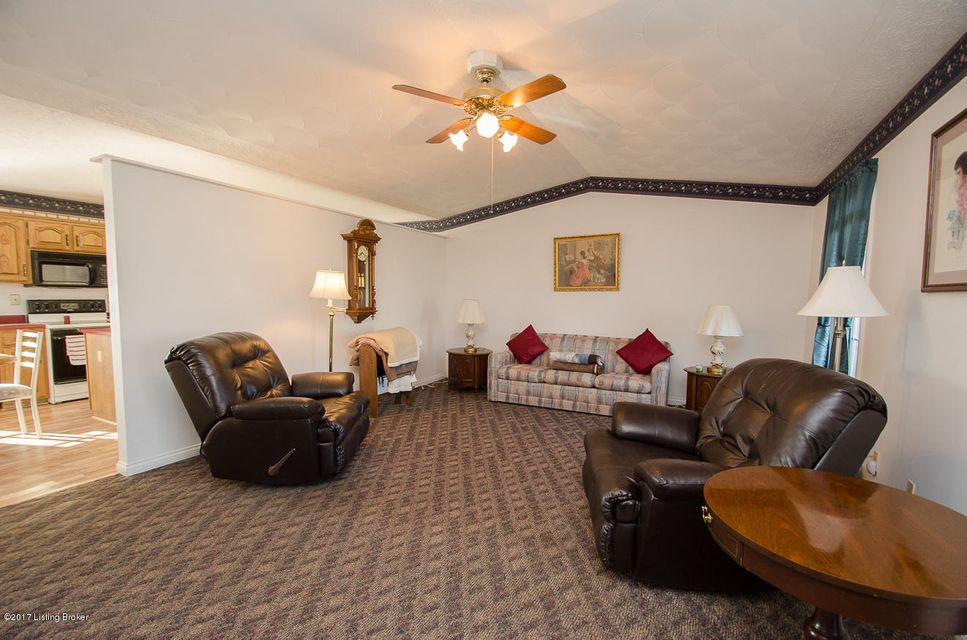 Additional photo for property listing at 100 Antlers Trace Drive  Coxs Creek, Kentucky 40013 United States