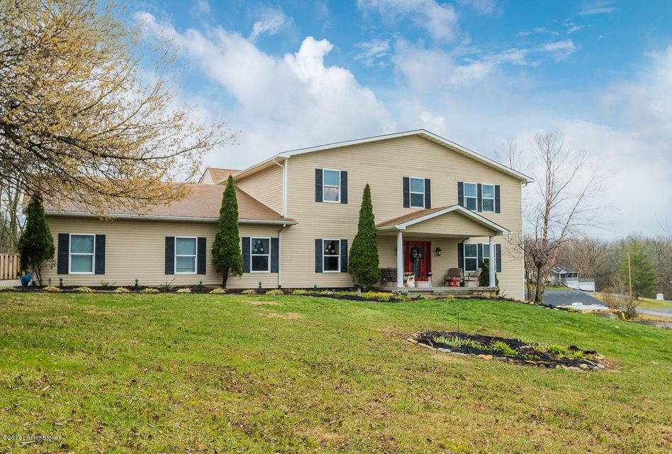 Single Family Home for Sale at 5100 Ridgecrest Court Crestwood, Kentucky 40014 United States