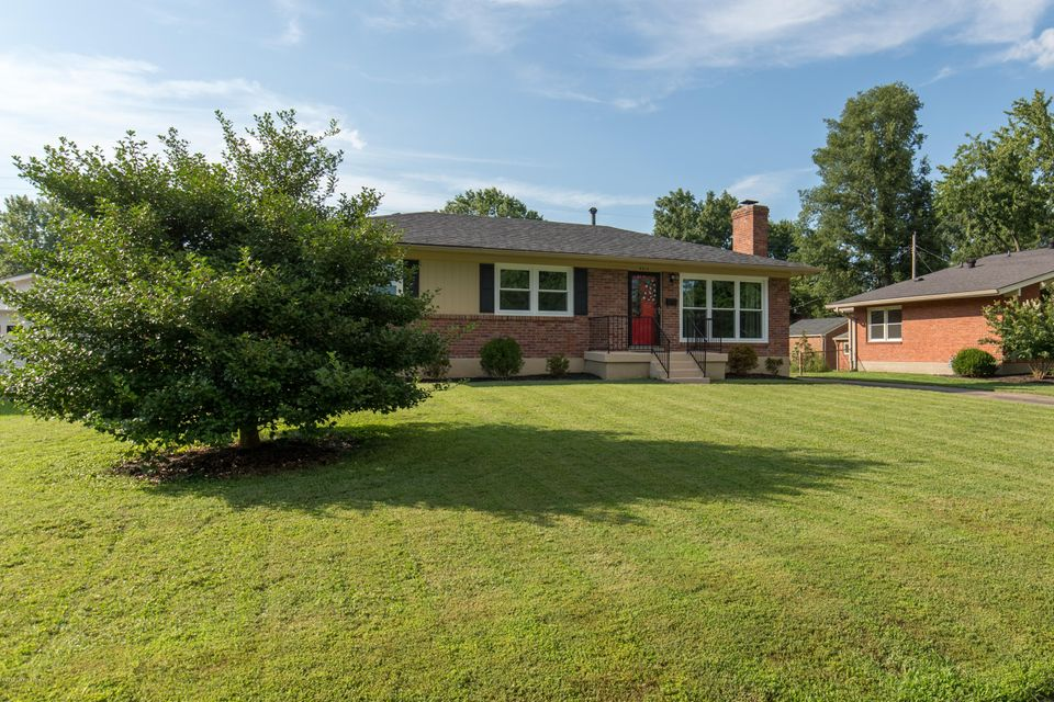 Single Family Home for Rent at 4311 Kinloch Road Louisville, Kentucky 40207 United States