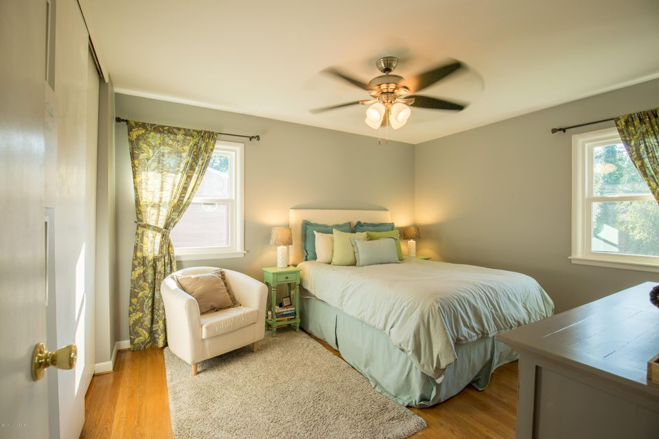 Additional photo for property listing at 4311 Kinloch Road  Louisville, Kentucky 40207 United States