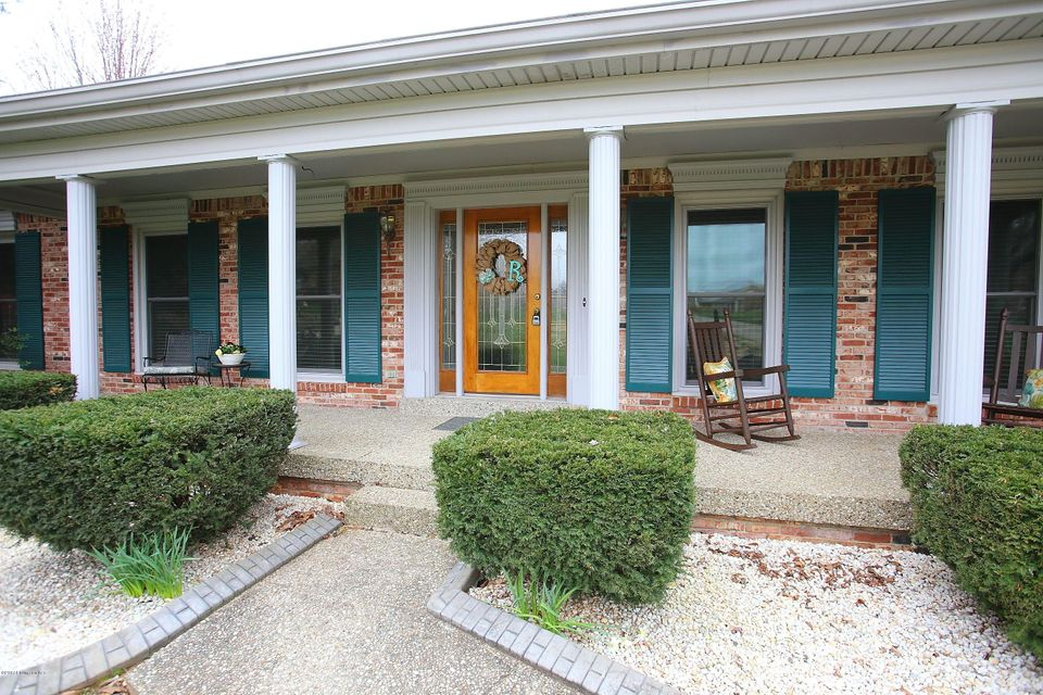 Single Family Home for Sale at 9400 Elk Hill Court Jeffersontown, Kentucky 40299 United States