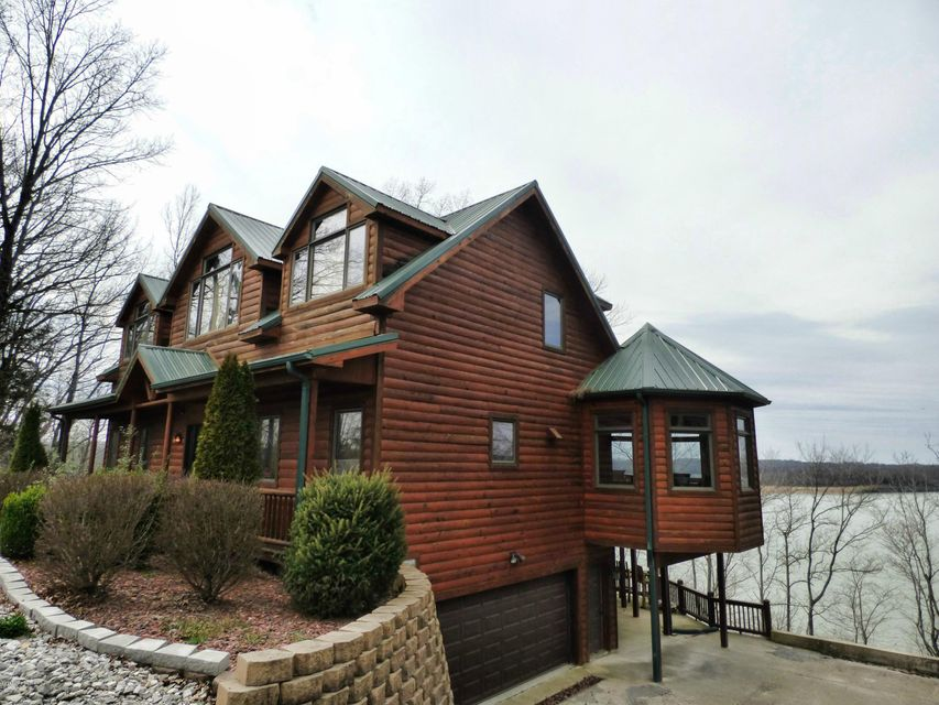 Single Family Home for Sale at 1992 Bailey Point Road Scottsville, Kentucky 42164 United States