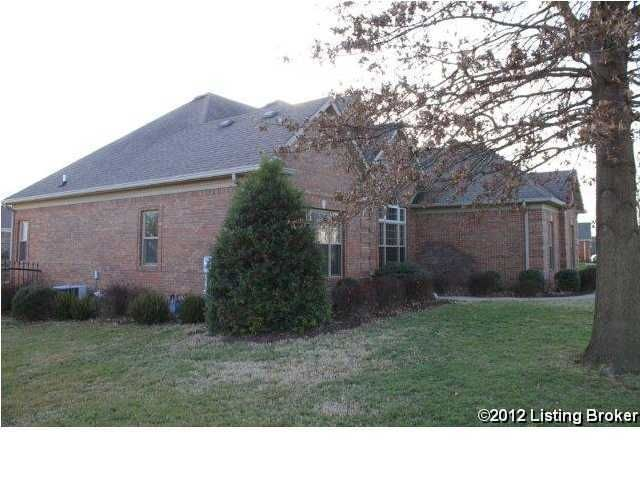 Additional photo for property listing at 402 Willow Creek Drive  Elizabethtown, Kentucky 42701 United States