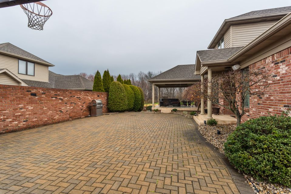 Additional photo for property listing at 12209 Bridgeway Court  Sellersburg, Indiana 47172 United States