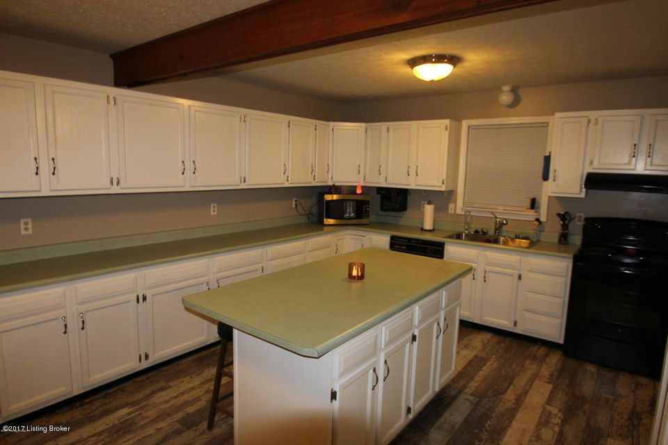 Additional photo for property listing at 9800 Orlandi Court  Jeffersontown, Kentucky 40299 United States