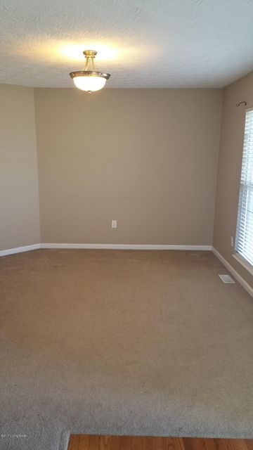 Additional photo for property listing at 707 Clear Spring Court  Elizabethtown, Kentucky 42701 United States
