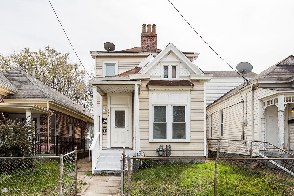 Single Family Home for Rent at 606 E Ormsby Avenue Louisville, Kentucky 40203 United States