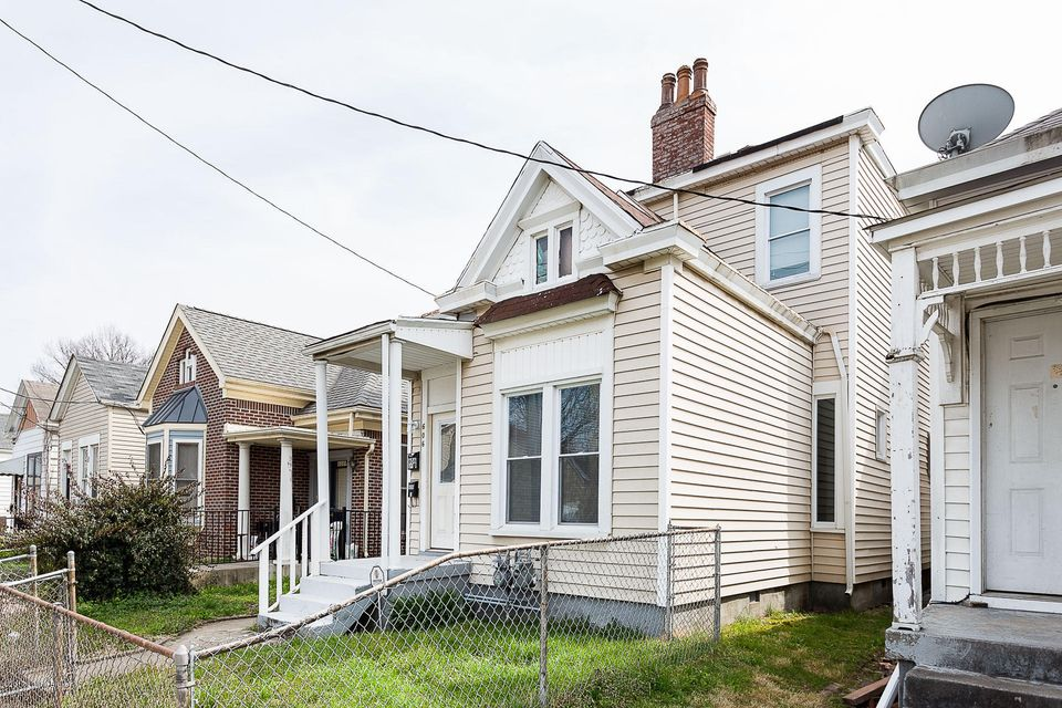 Additional photo for property listing at 606 E Ormsby Avenue  Louisville, Kentucky 40203 United States