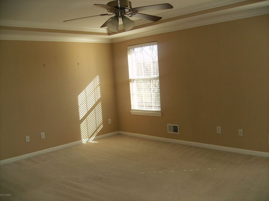 Additional photo for property listing at 13803 Forest Bend Circle  Louisville, Kentucky 40245 United States