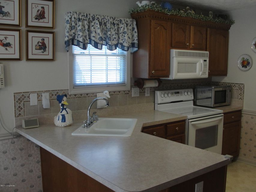 Additional photo for property listing at 4303 Silver Oaks Court  Louisville, Kentucky 40272 United States