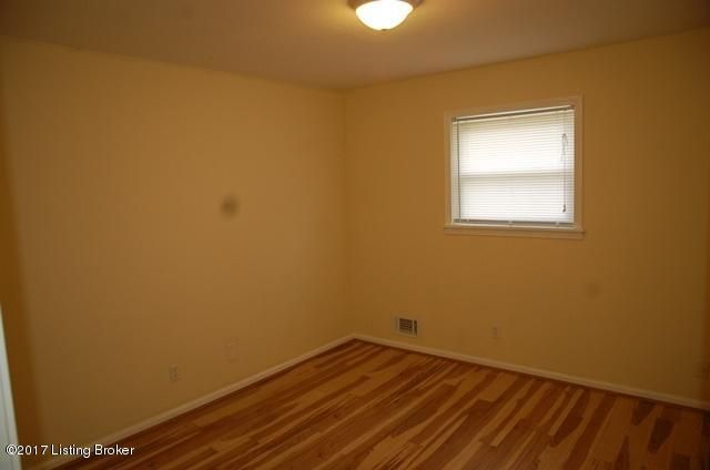Additional photo for property listing at 9602 Thor Avenue  Louisville, Kentucky 40229 United States